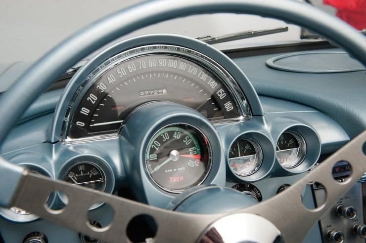 1960 Chevrolet Corvette 9 740x492 1960 Chevrolet Corvette