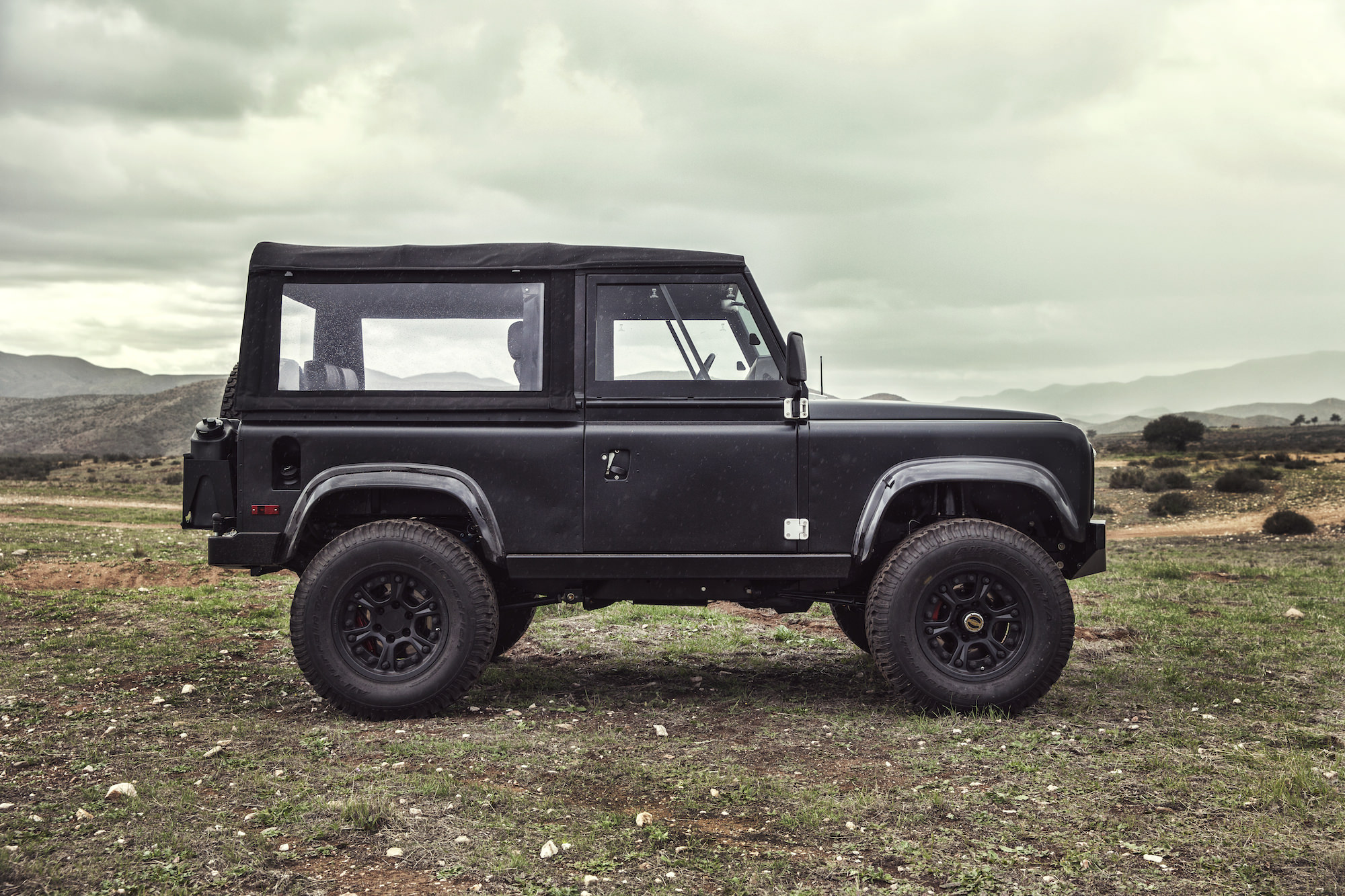 icon land rover defender d90 ls3 v8 silodrome. Black Bedroom Furniture Sets. Home Design Ideas