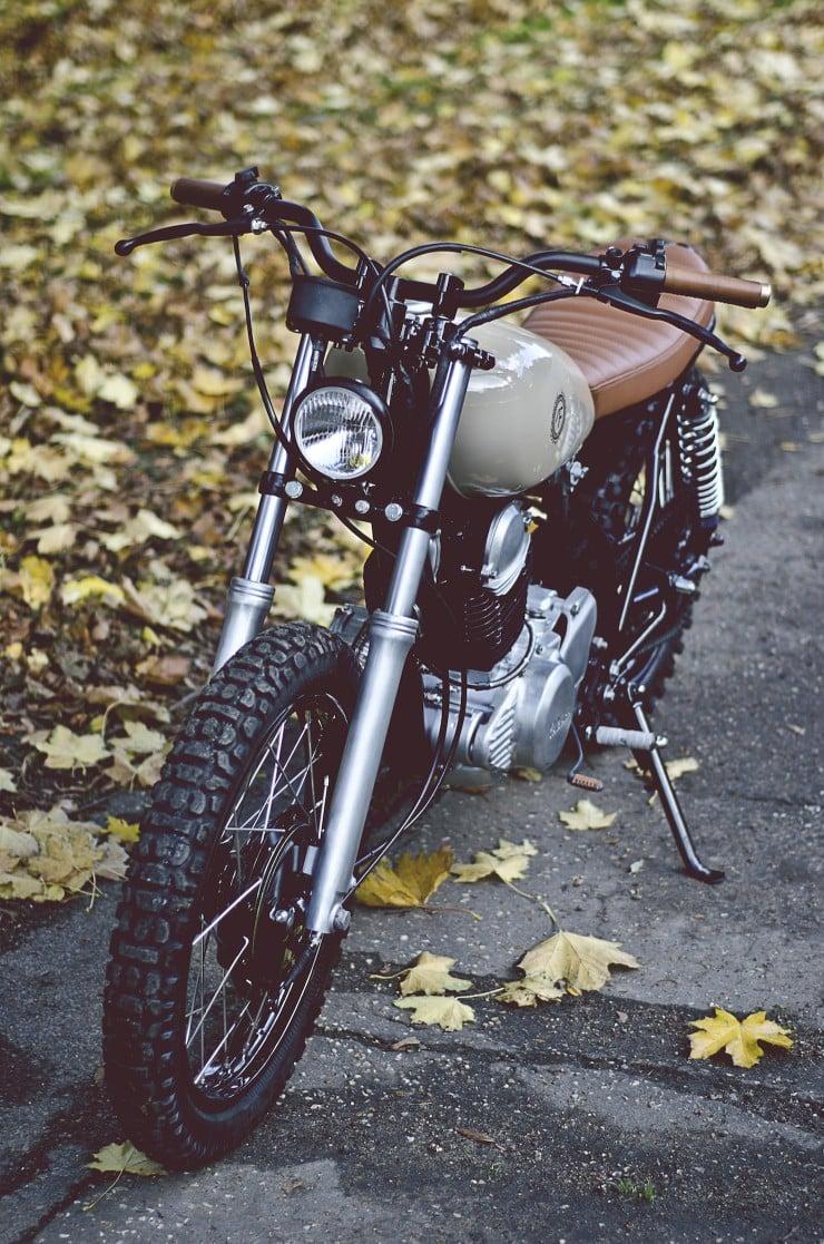 Yamaha SR250 1