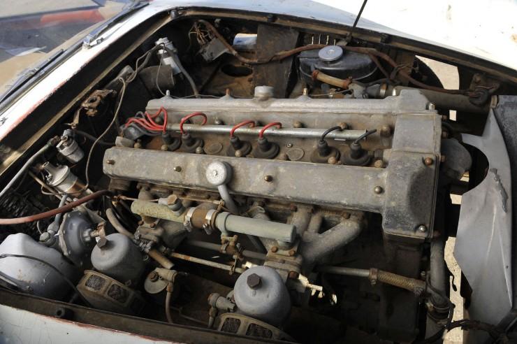 Aston Martin DB4 3