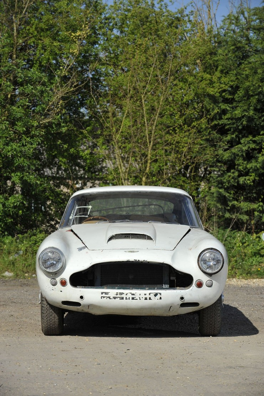 Aston Martin DB4 6