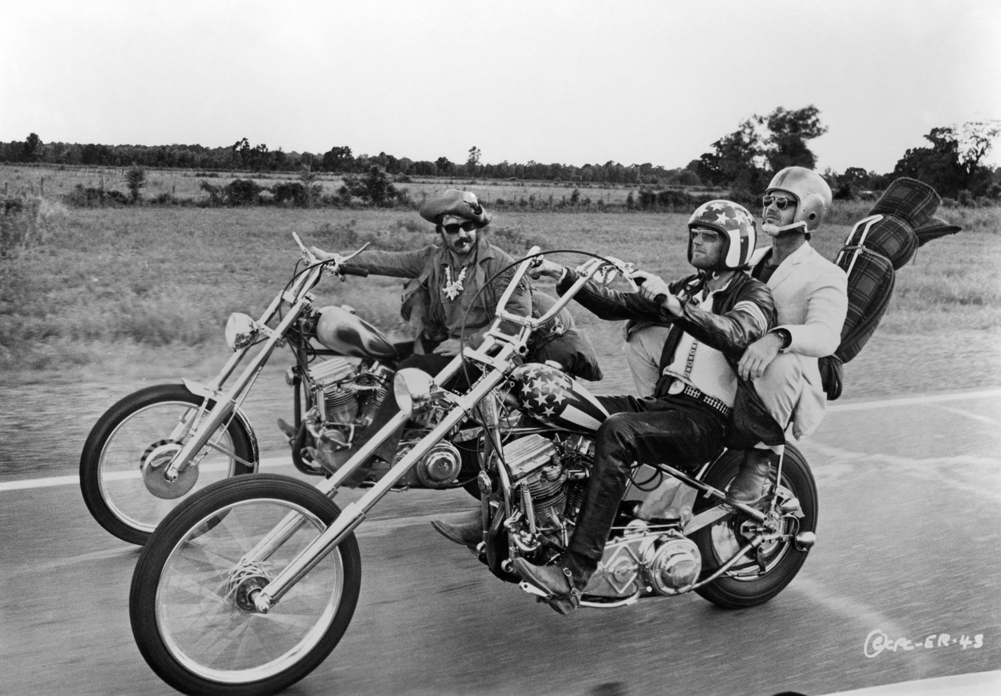 Dennis Hopper, Peter Fonda and Jack Nicholson in EASY RIDER