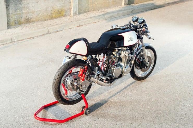 Honda CB550 Cafe Racer 6