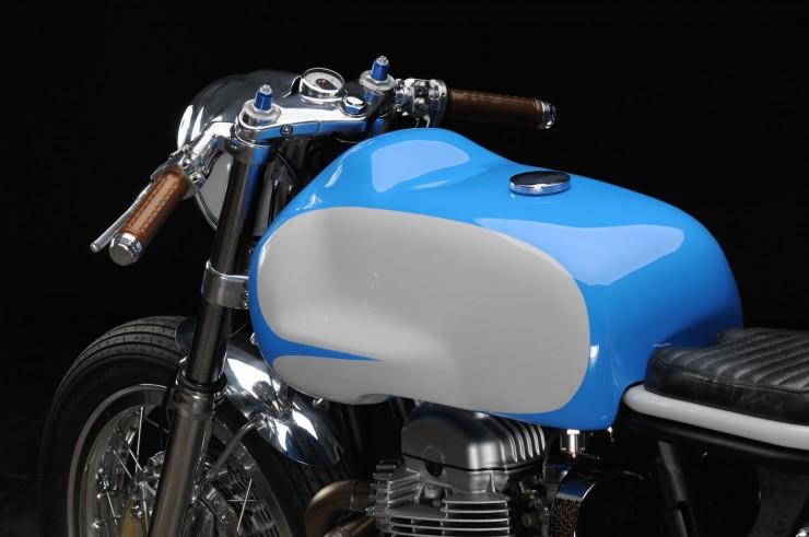 Kawasaki W650 11