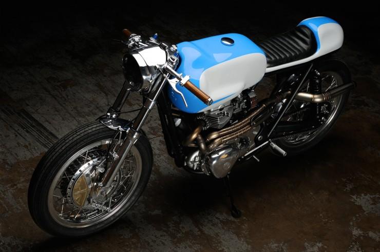 Kawasaki W650 6