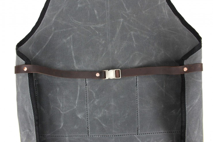 RuggedMaterial_WaxedCanvas_leather_shop_apron_charcoal_waist