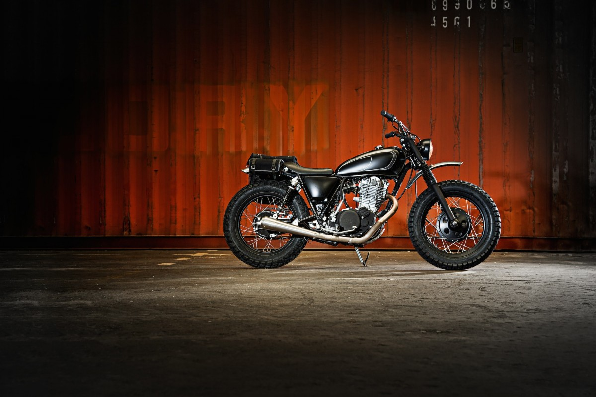 SR400 Custom Motorcycle 1 1200x799 - Yamaha SR400 by The Wrenchmonkees