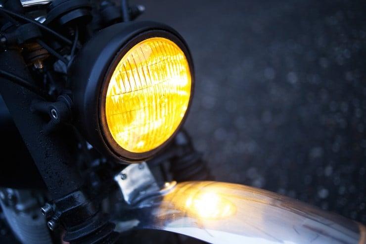 SR400 Custom Motorcycle 4