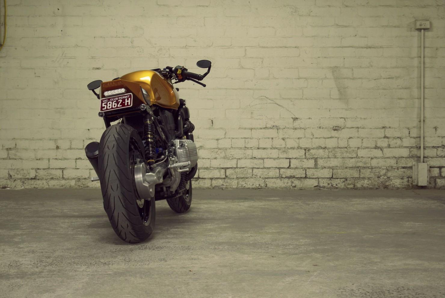 BMW K100 Motorcycle 12