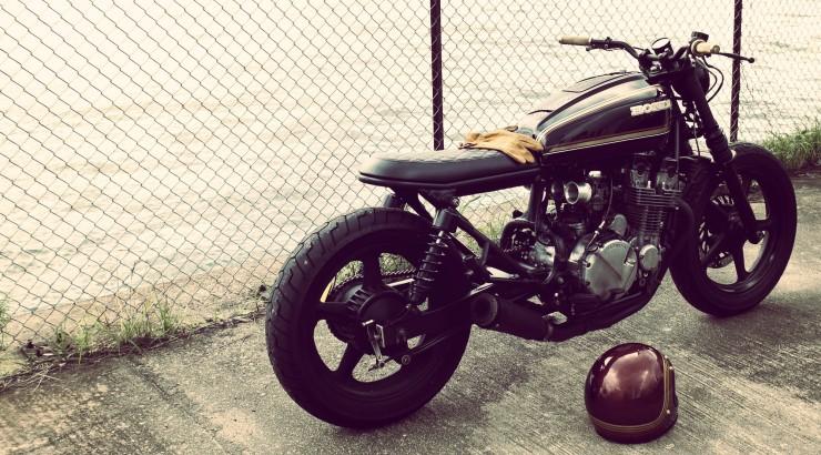 Honda CB750 back profile_Fotor