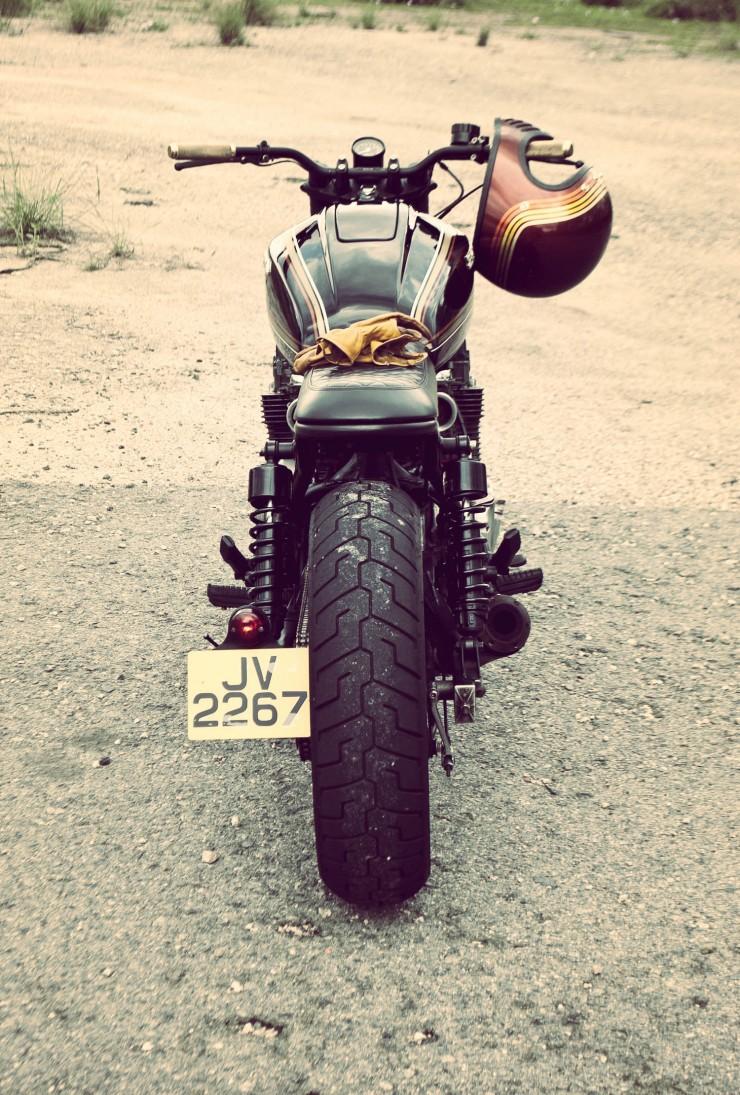 Honda CB750 back_Fotor