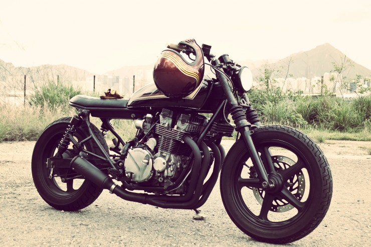Honda CB750 front side_Fotor