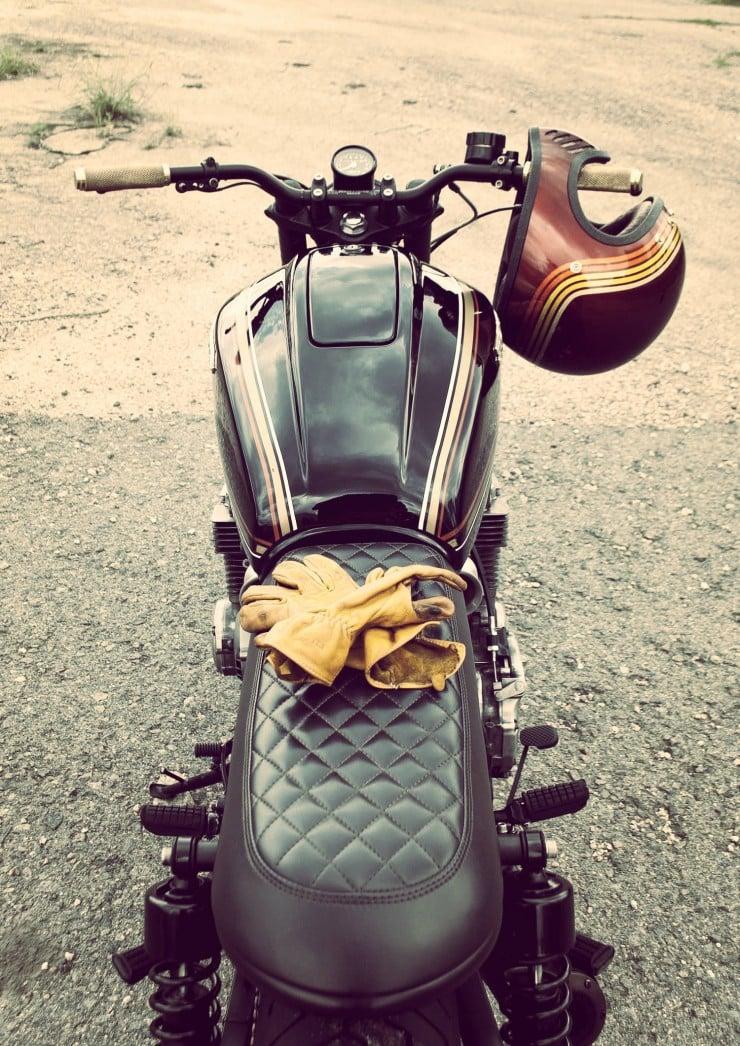 Honda CB750 rear view_Fotor