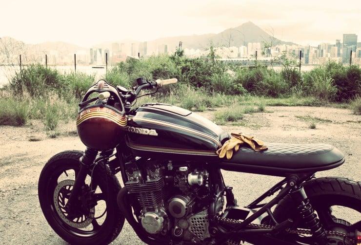 Honda CB750 side_Fotor