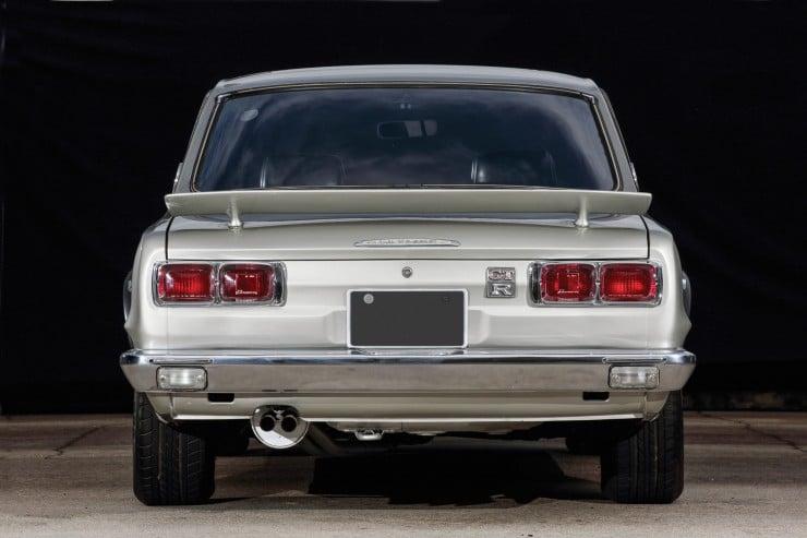 Nissan Skyline Back