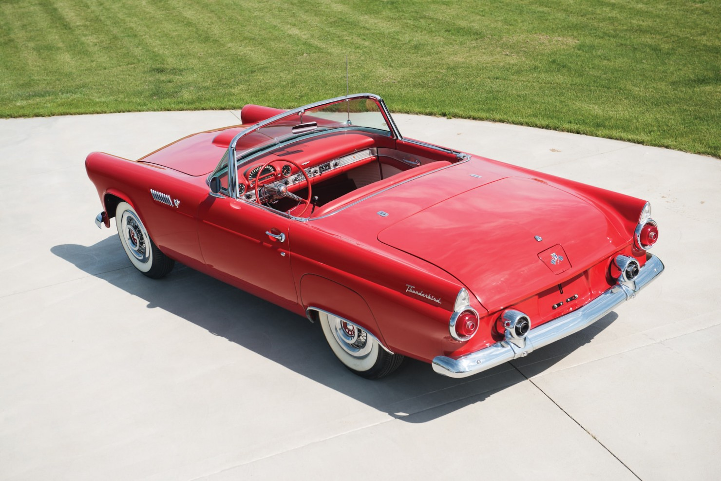 ford_thunderbird_2