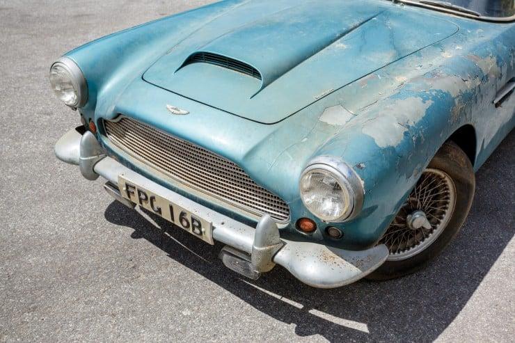 Aston_Martin_DB4_12