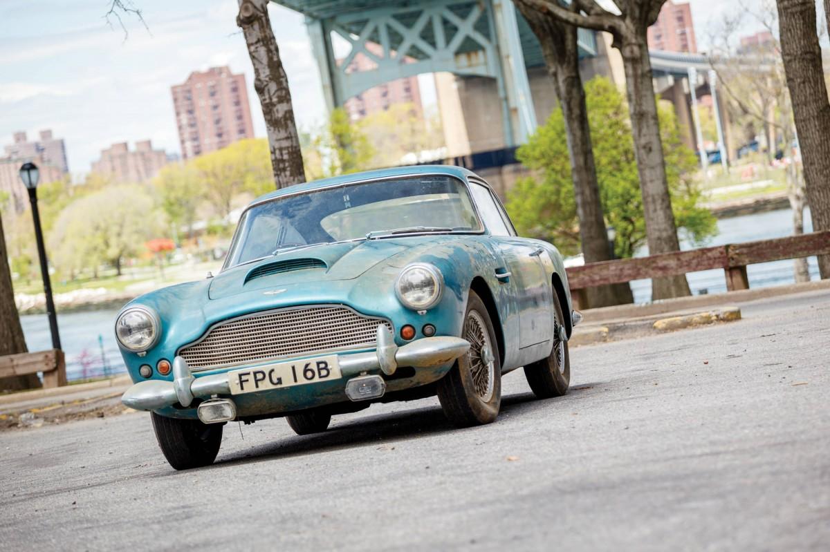 Aston Martin DB4 13 1200x799 - 1961 Aston Martin DB4