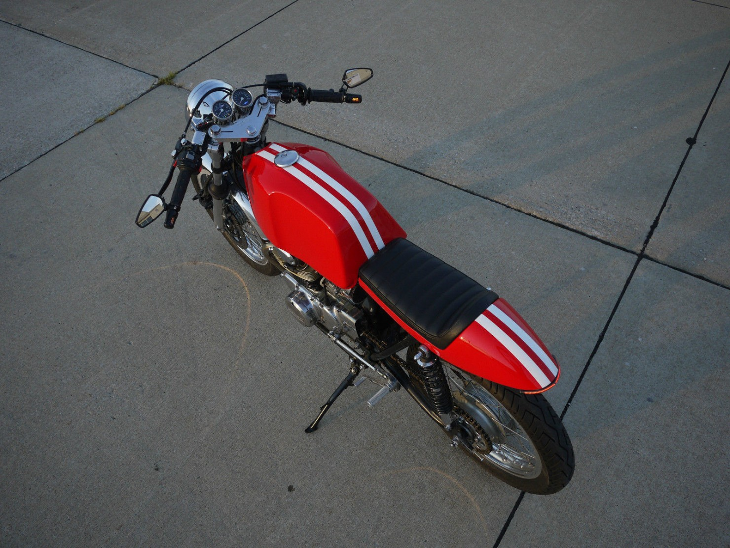 Honda_CB350_Cafe_Racer_13