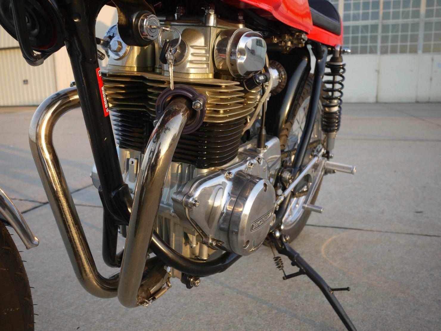 Honda_CB350_Cafe_Racer_14