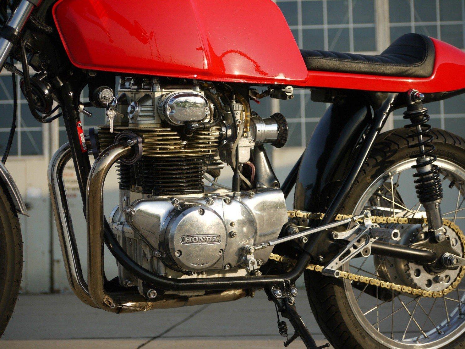 Honda_CB350_Cafe_Racer_15