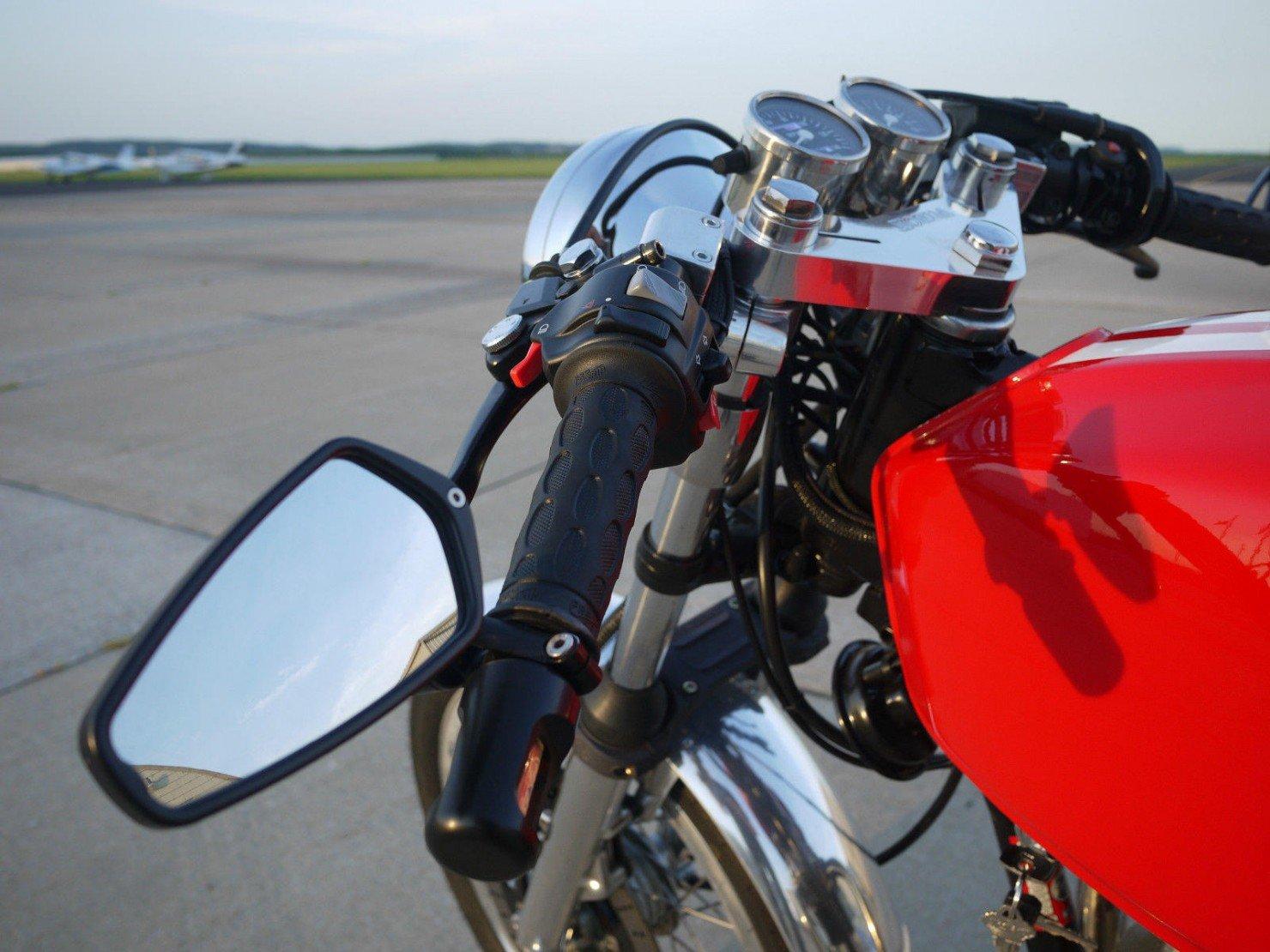 Honda_CB350_Cafe_Racer_17