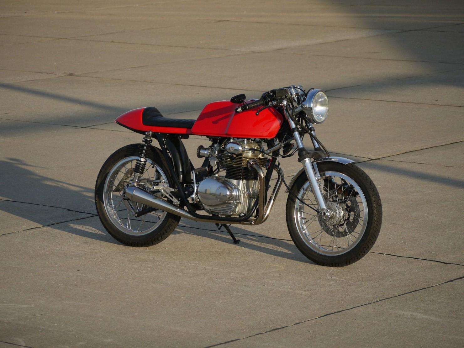 Honda_CB350_Cafe_Racer_2