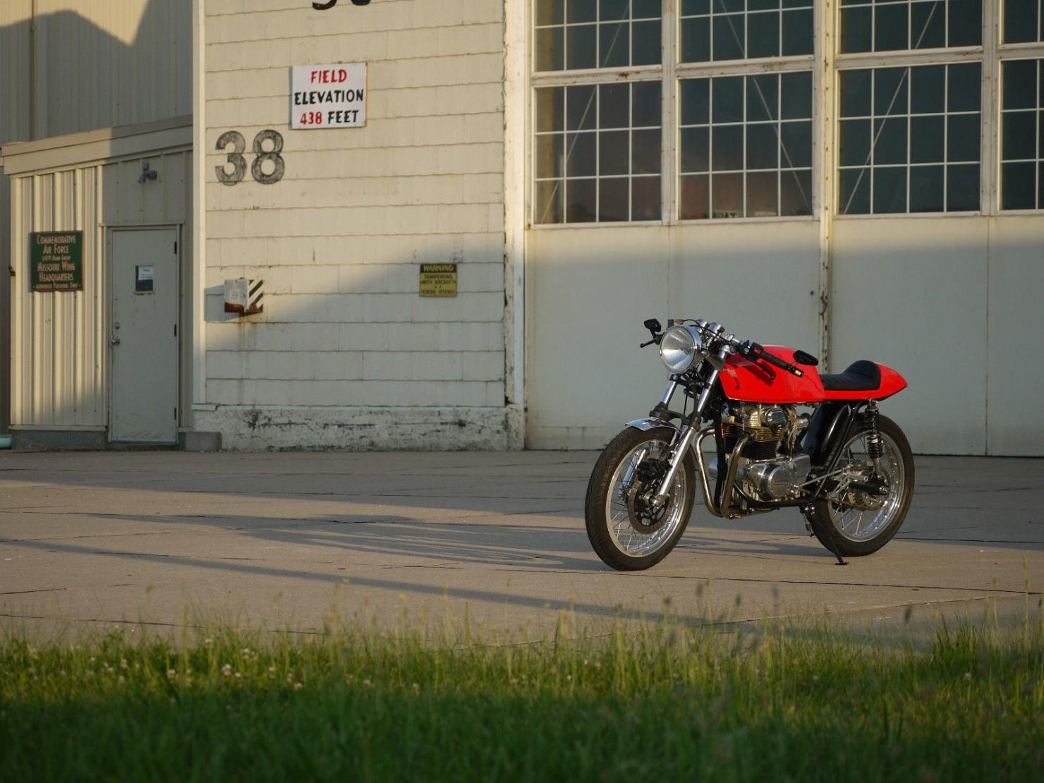 Honda_CB350_Cafe_Racer_5