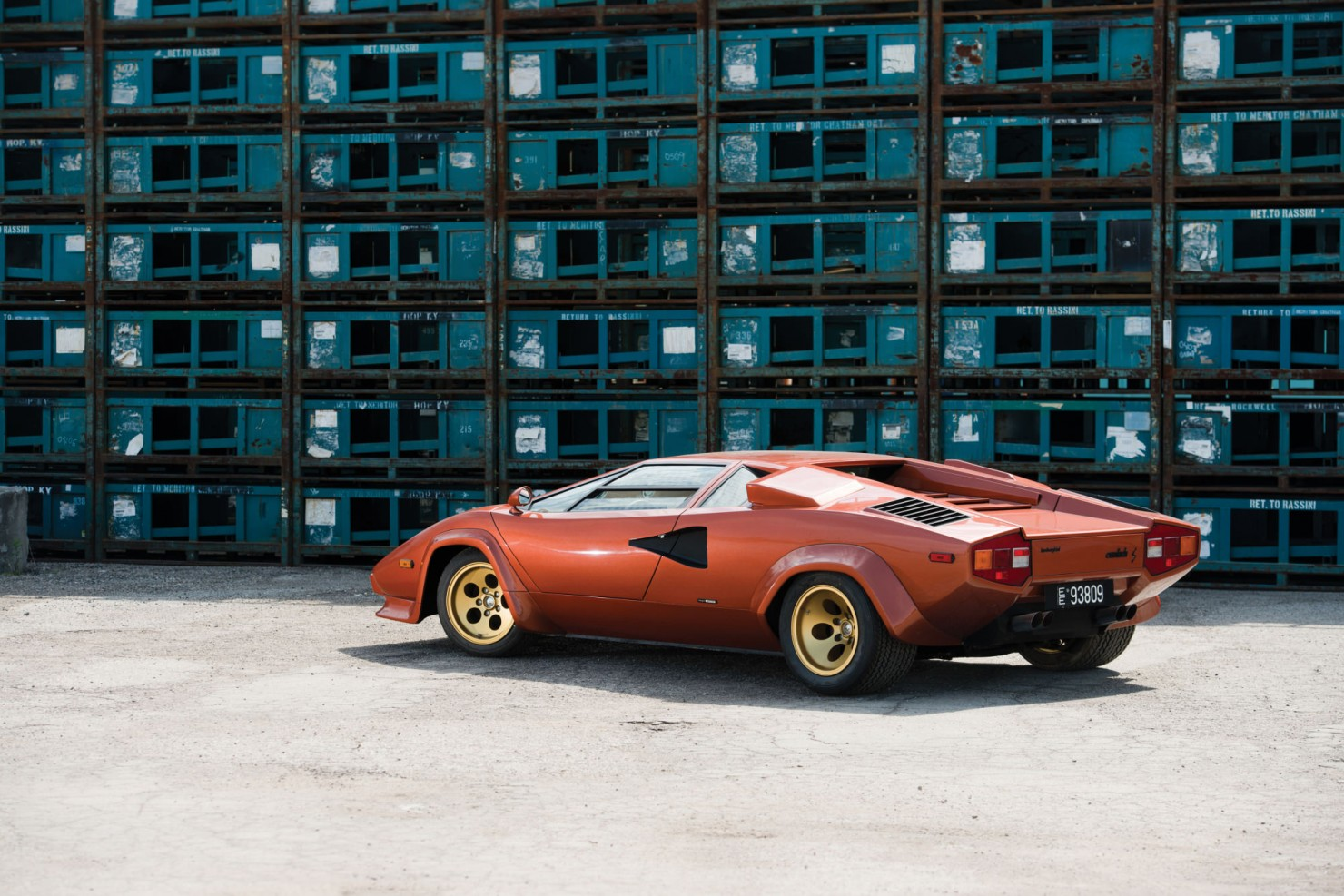 Lamborghini_Countach_LP400S_2