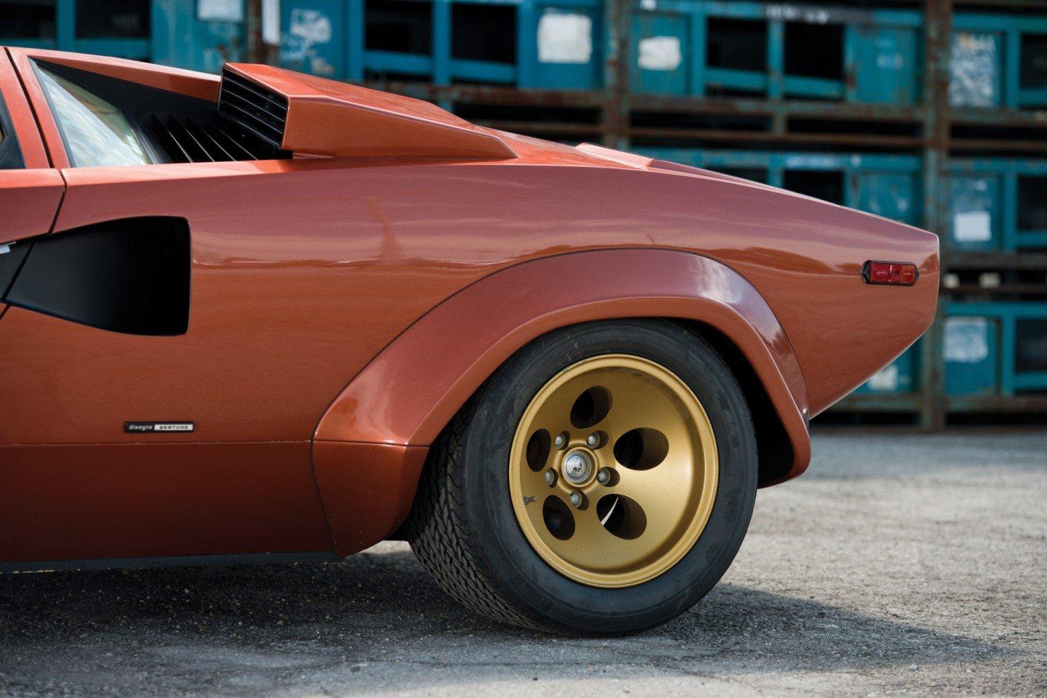 Lamborghini_Countach_LP400S_7