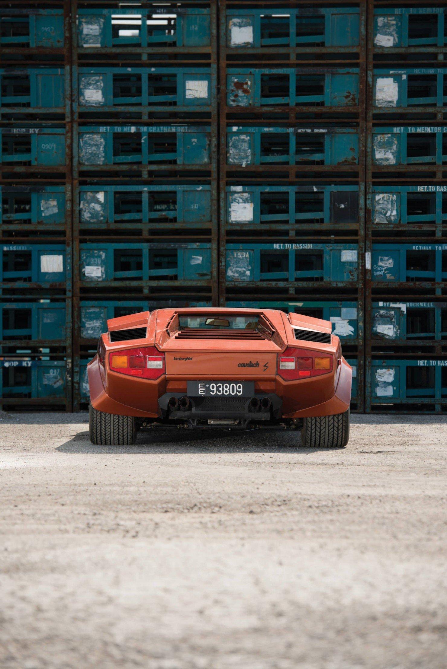 Lamborghini_Countach_LP400S_9