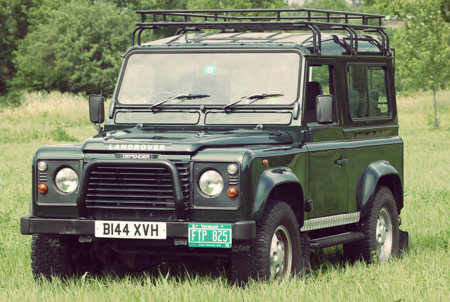 Land Rover Defender 90 1
