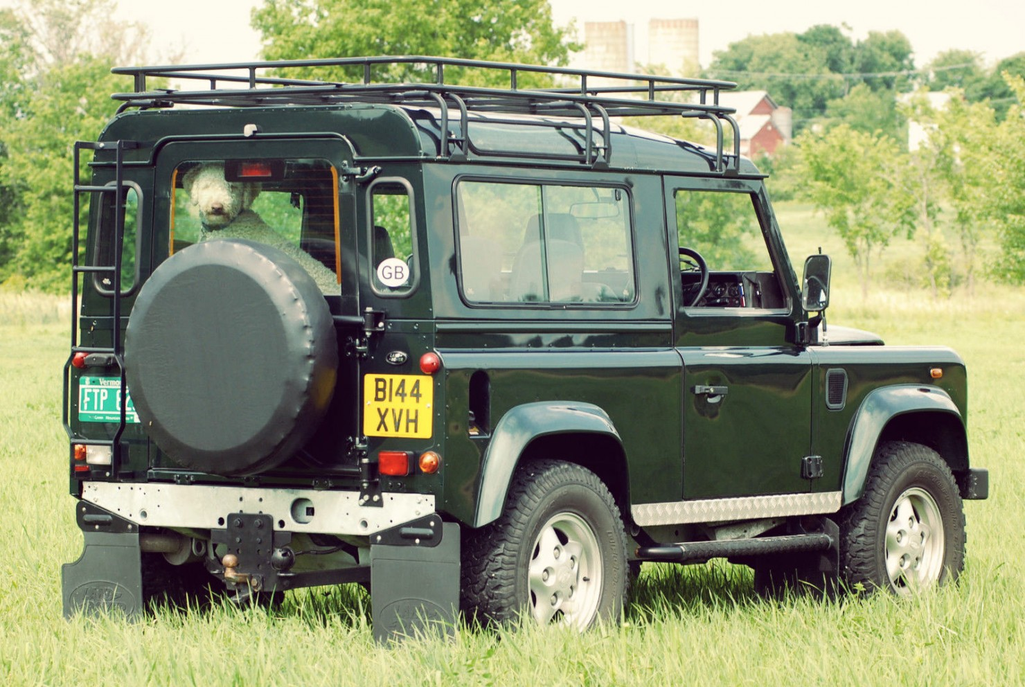 Land Rover Defender 90 4