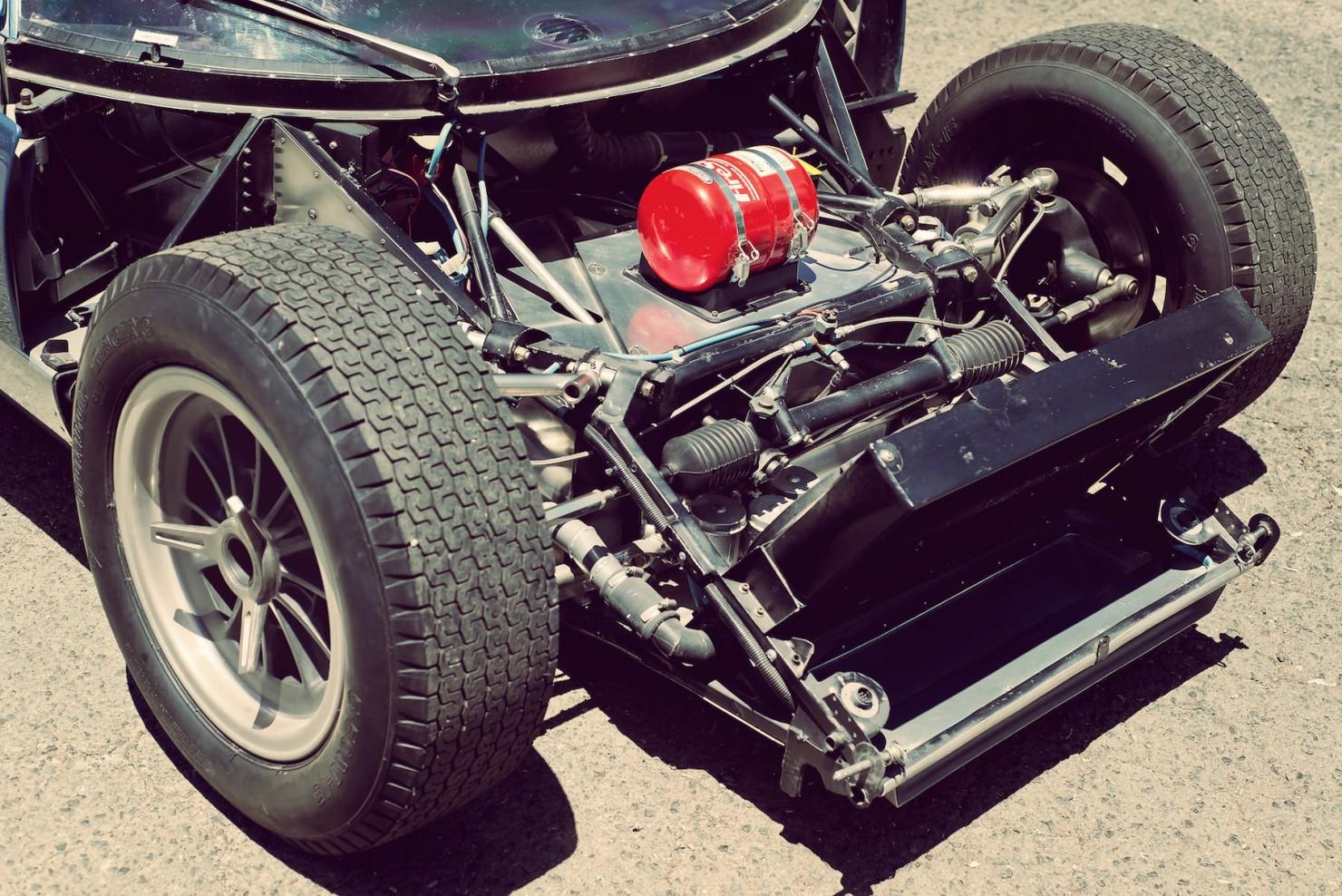 Lola_MK6_GT_Car_11