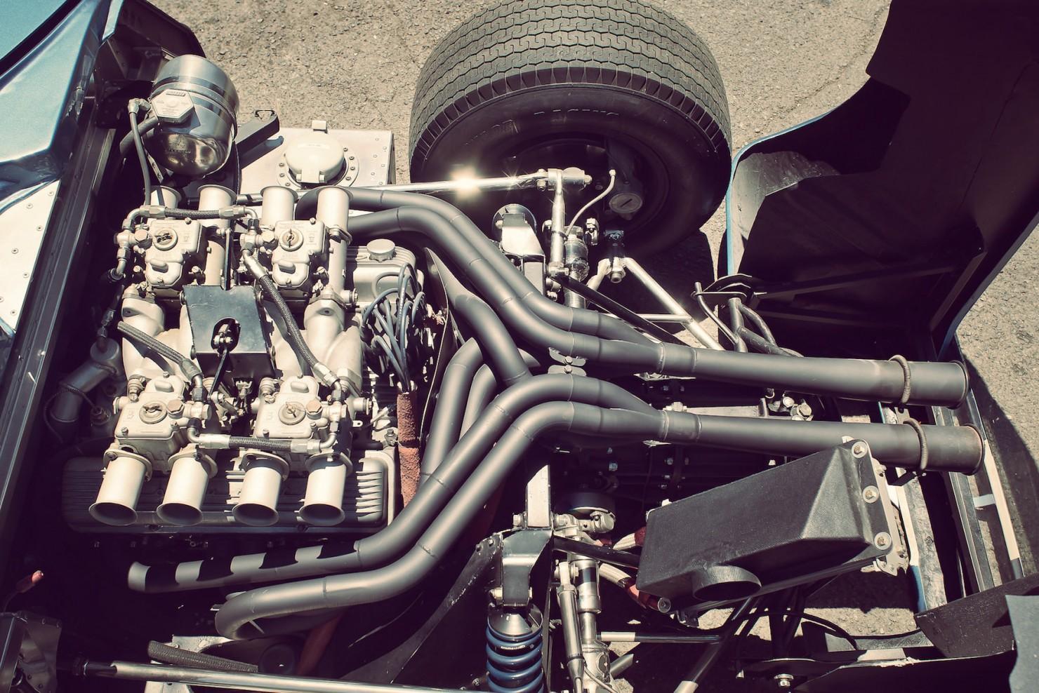 Lola_MK6_GT_Car_12