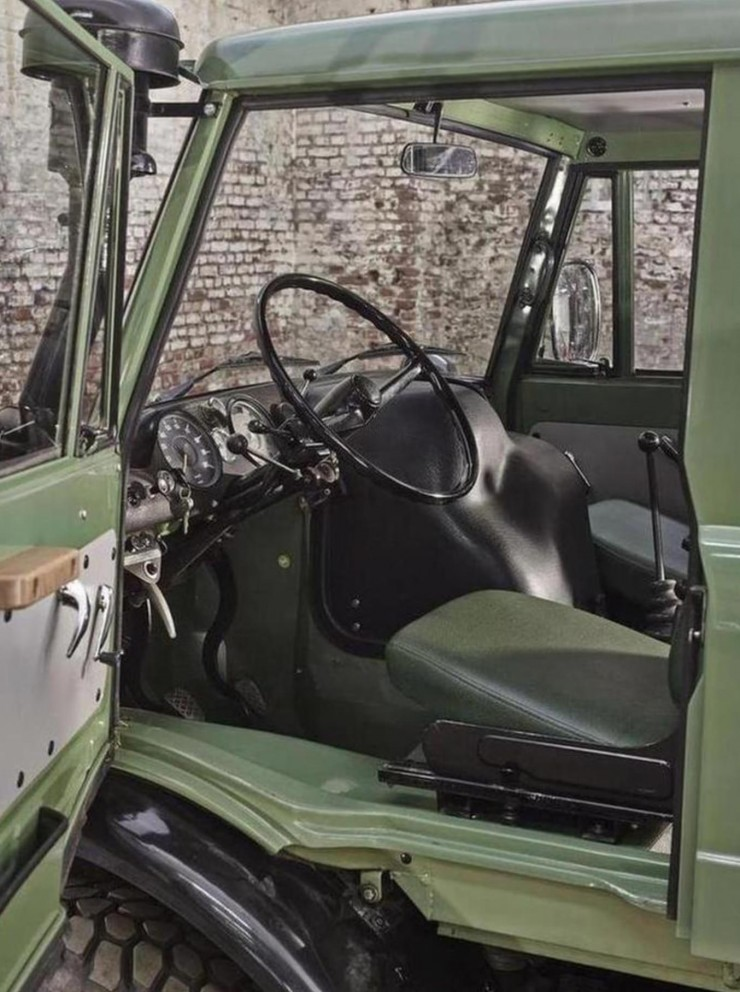 Mercedes-Benz Unimog Dashboard