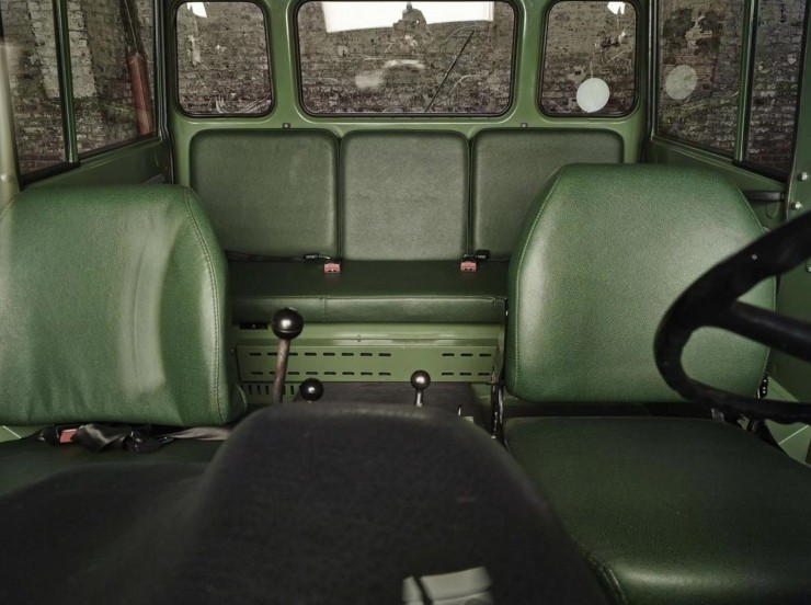 Mercedes-Benz Unimog Interior