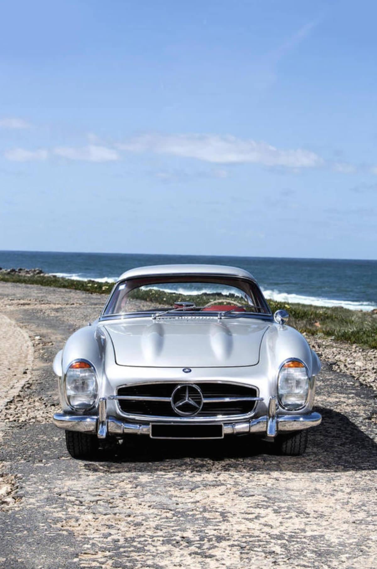 Mercedes benz 300sl roadster for Mercedes benz worldwide sales figures