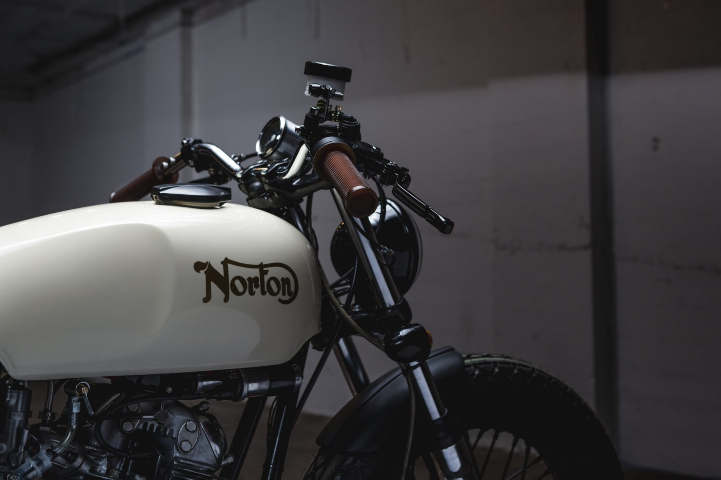 Norton Commando Tracker Handlebars