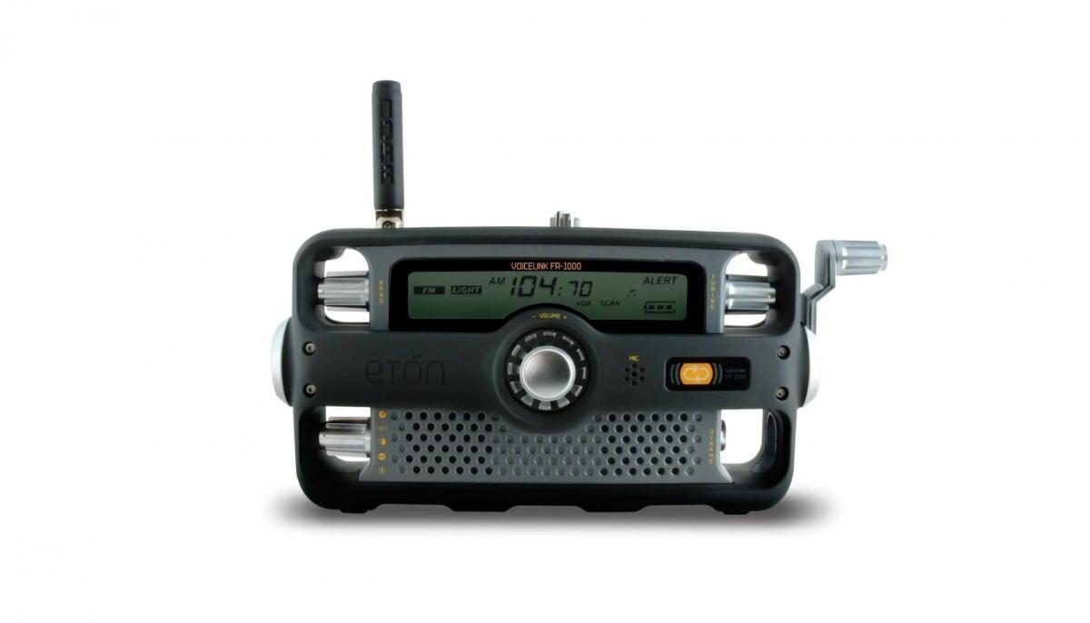 Etón Hand-Crank Two-Way Survival Radio