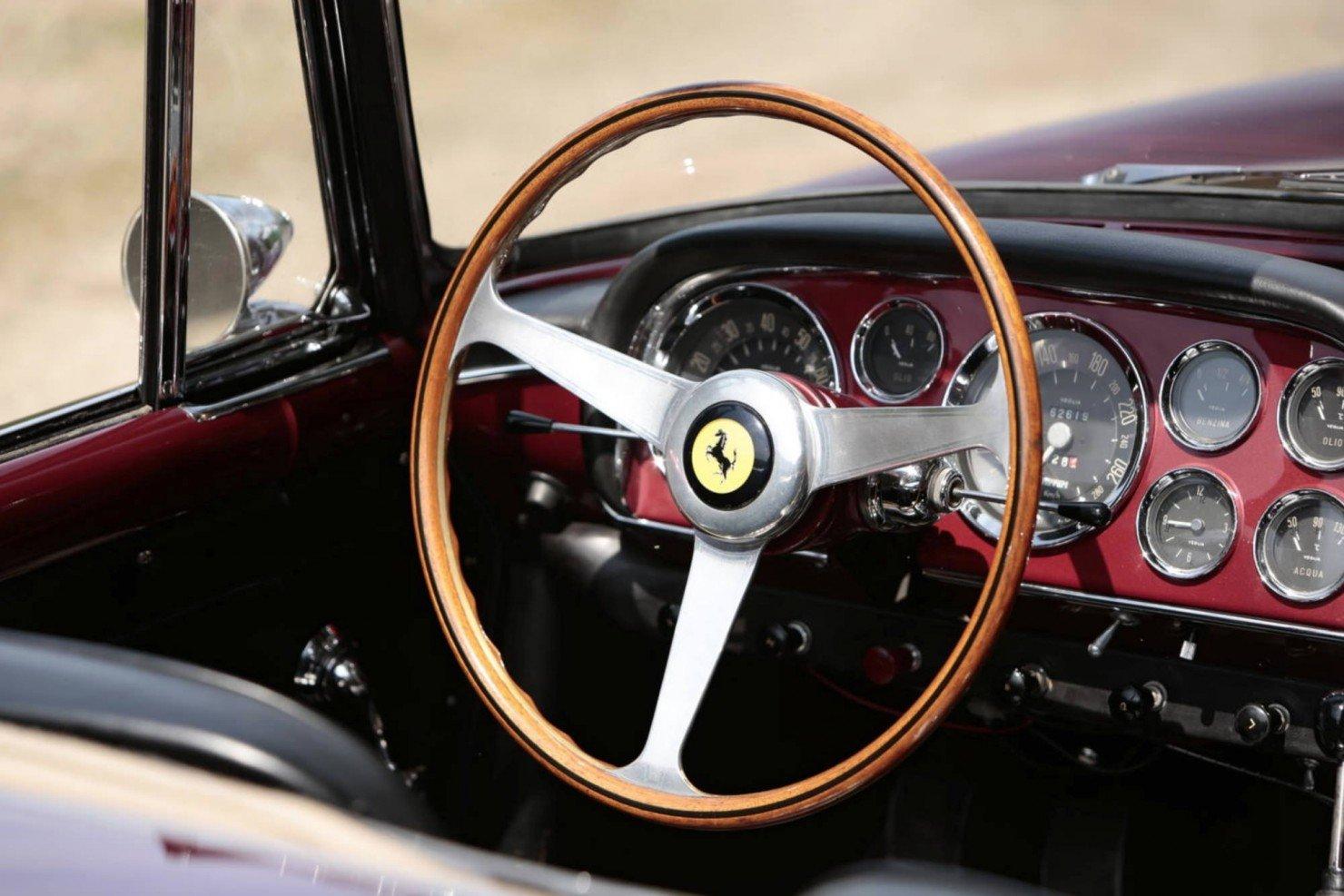 Ferrari_250GT_Series_II_12
