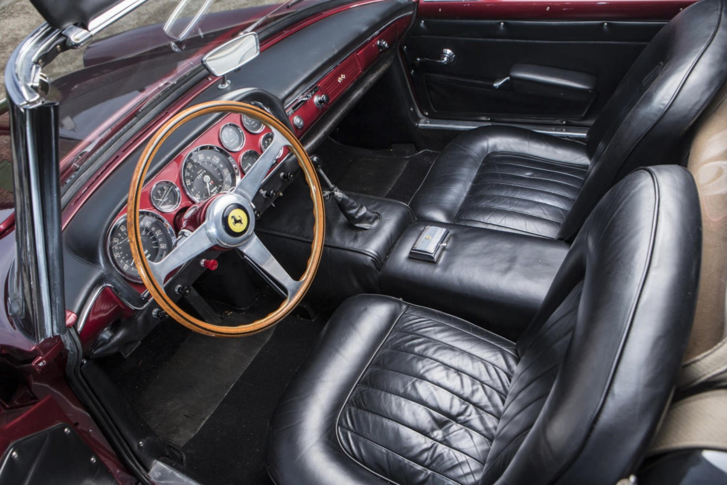 Ferrari_250GT_Series_II_3