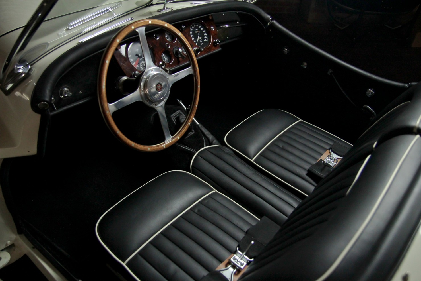 Jaguar_XK140_Car_11