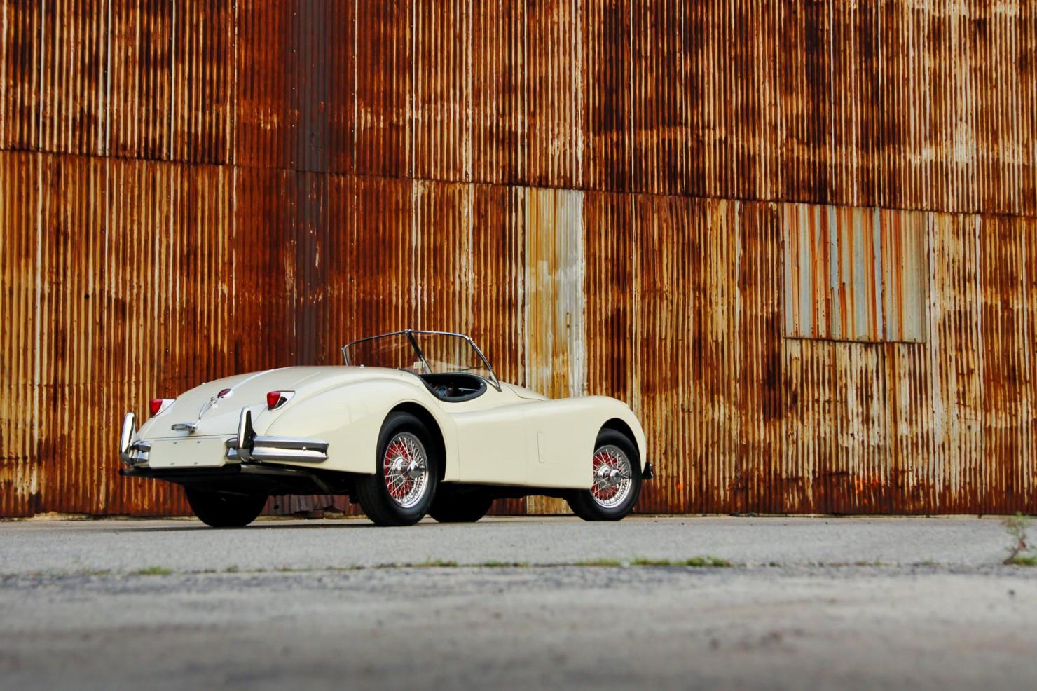 Jaguar_XK140_Car_7