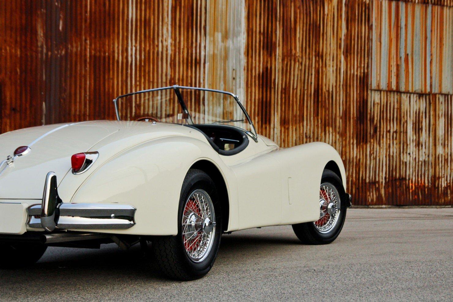 Jaguar_XK140_Car_8