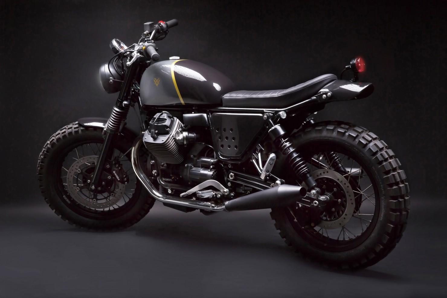 Moto Guzzi V7 Stone 19