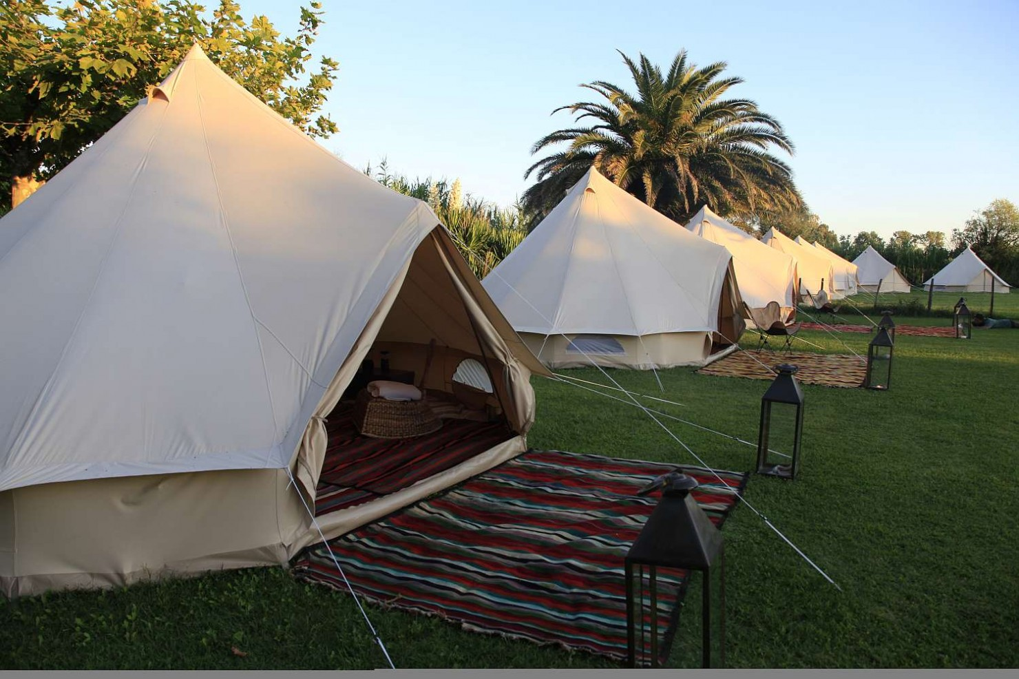 The Sibley 400 Deluxe Tent 9
