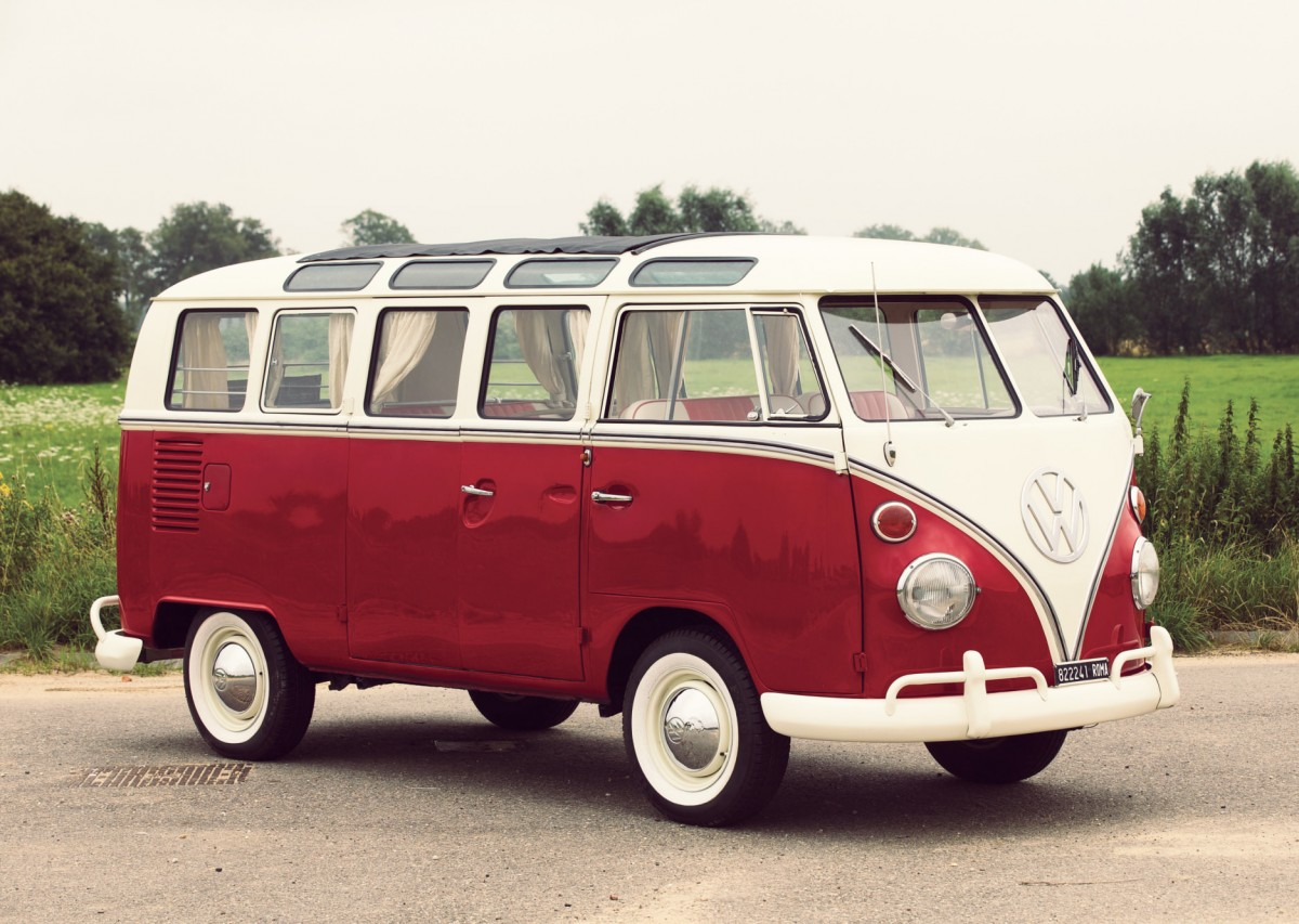 Volkswagen 21 Window Micro Bus 1 1200x853 - 21-Window Deluxe Volkswagen Type 2