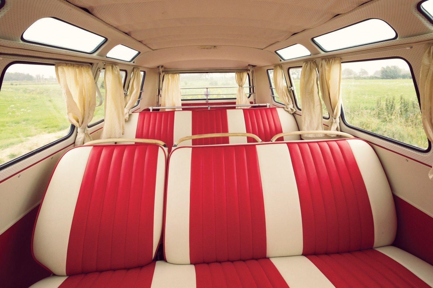 Volkswagen_21-Window_Micro_Bus_10