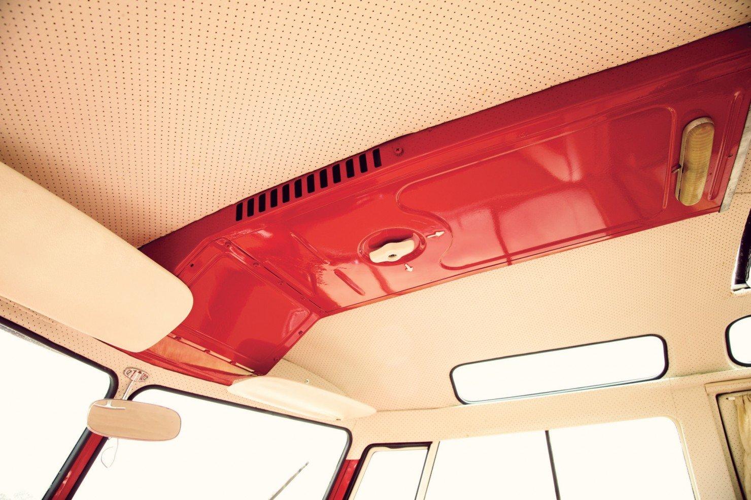 Volkswagen_21-Window_Micro_Bus_15